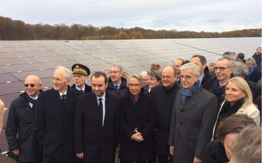 Sébastien Lecornu et Elisabeth Borne inaugurent le plus grand parc photovoltaïque de Normandie